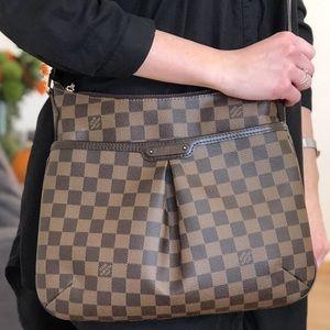 🥰Beautiful Bloomsbury Louis Vuitton pm crossbody